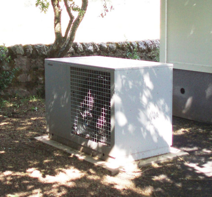 The air-source heat pump that supplies the new classroom.