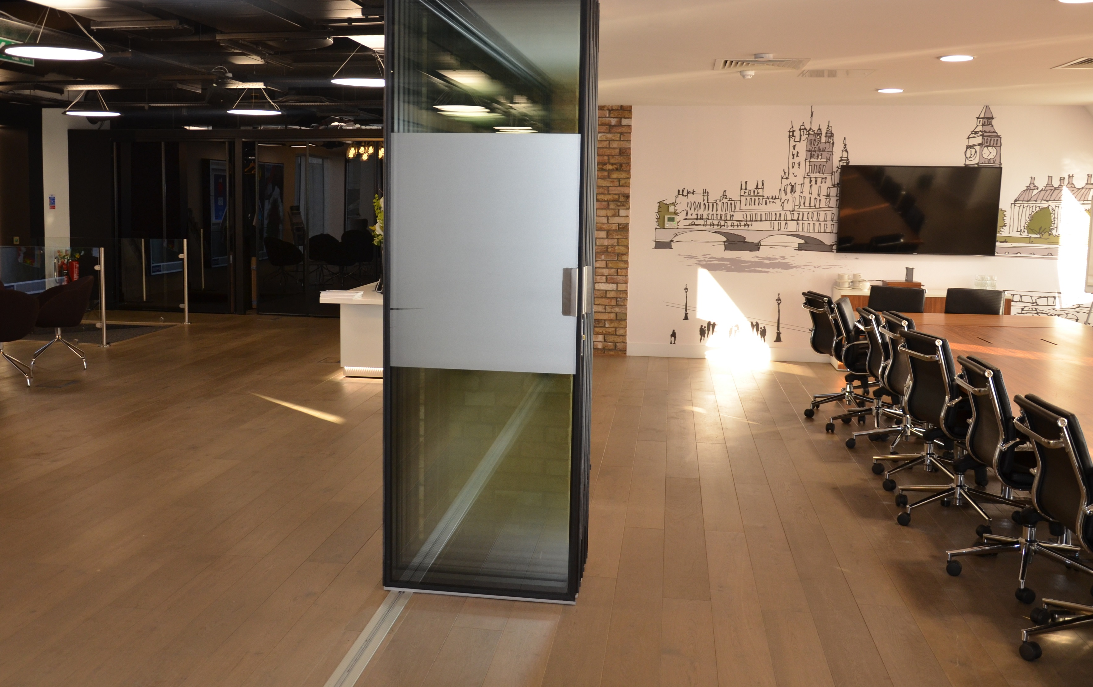 London Wall Type G200 Acoustic Folding Glass Wall System