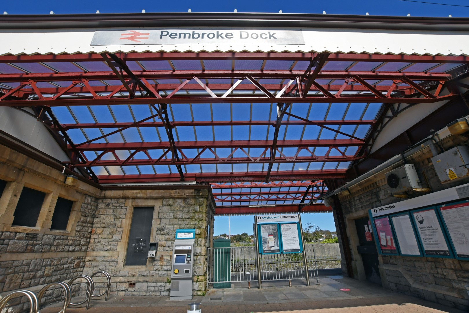 Non-fragile roofing for Pembroke Dock Station