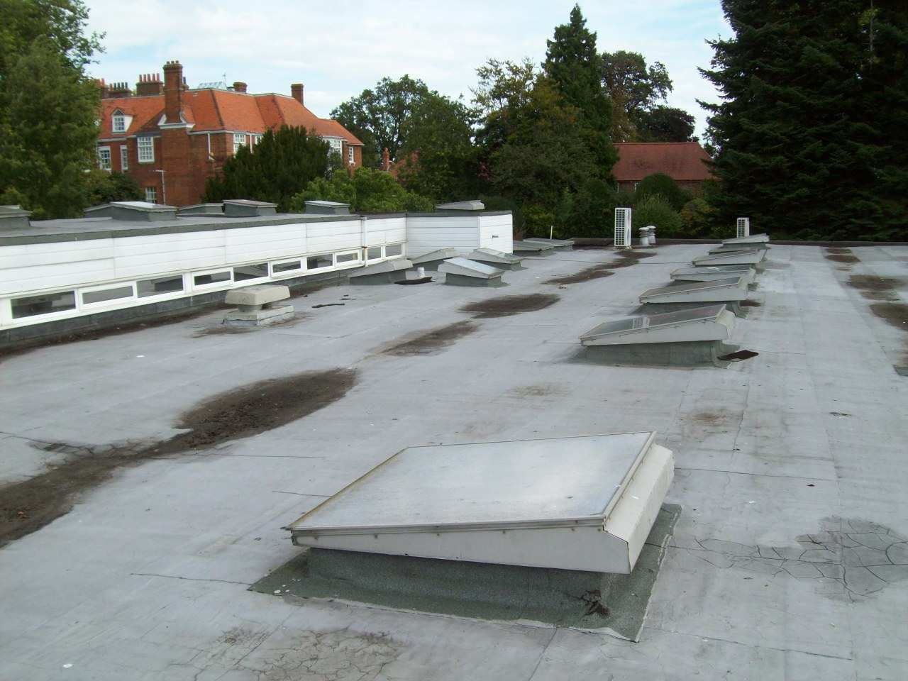 Highdown School and Sixth Form Centre roof prior to Bauder's transformation
