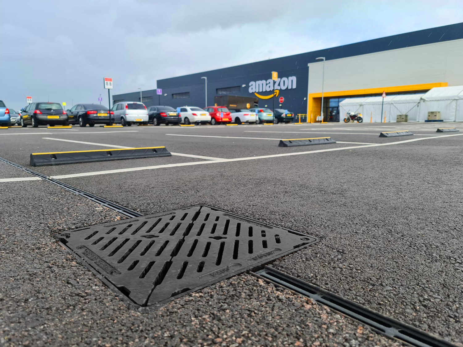 Gatic Slotdrain delivers prime service at Amazon distribution centre in Kent
