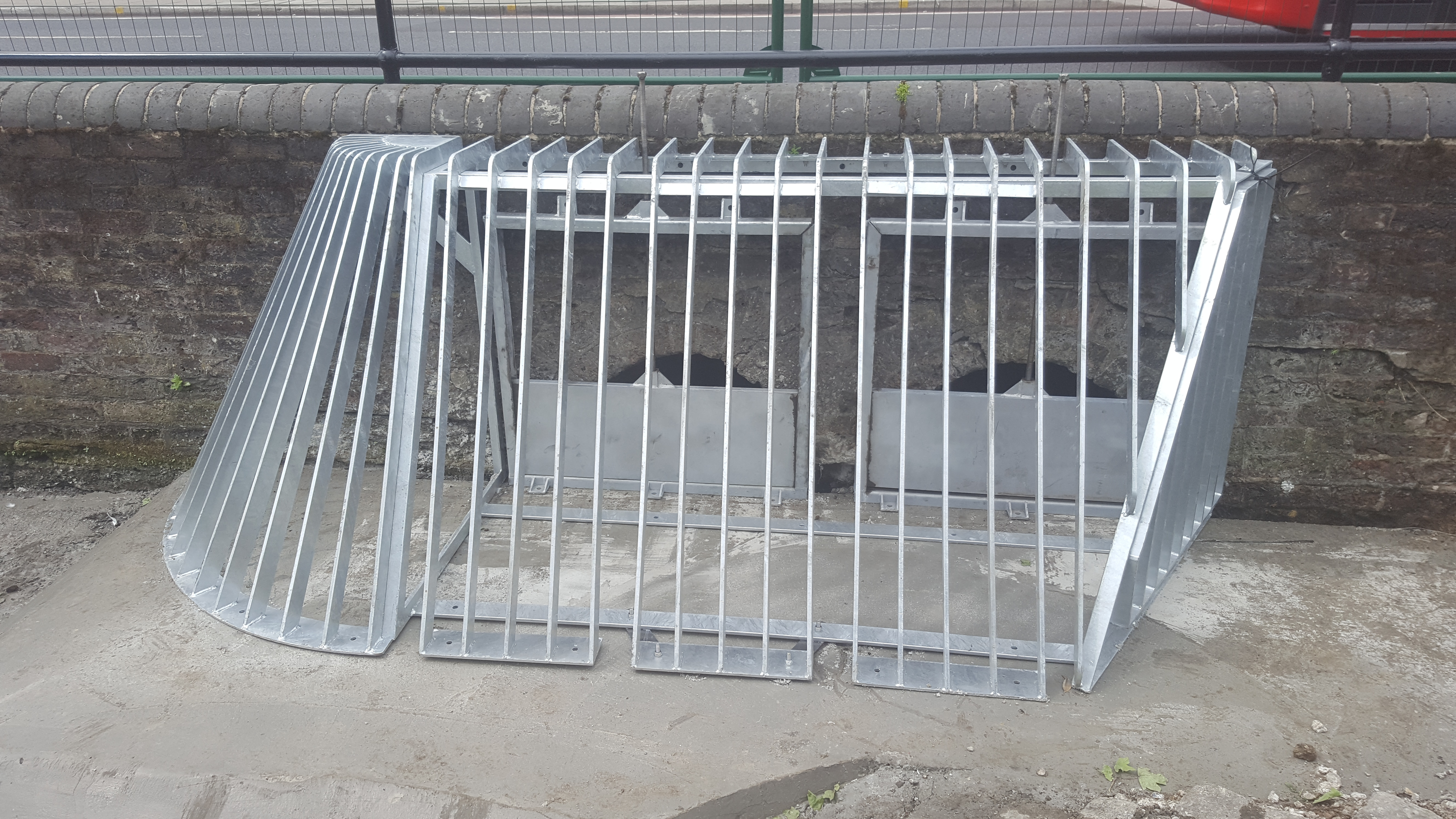 Bespoke trash screen with penstocks