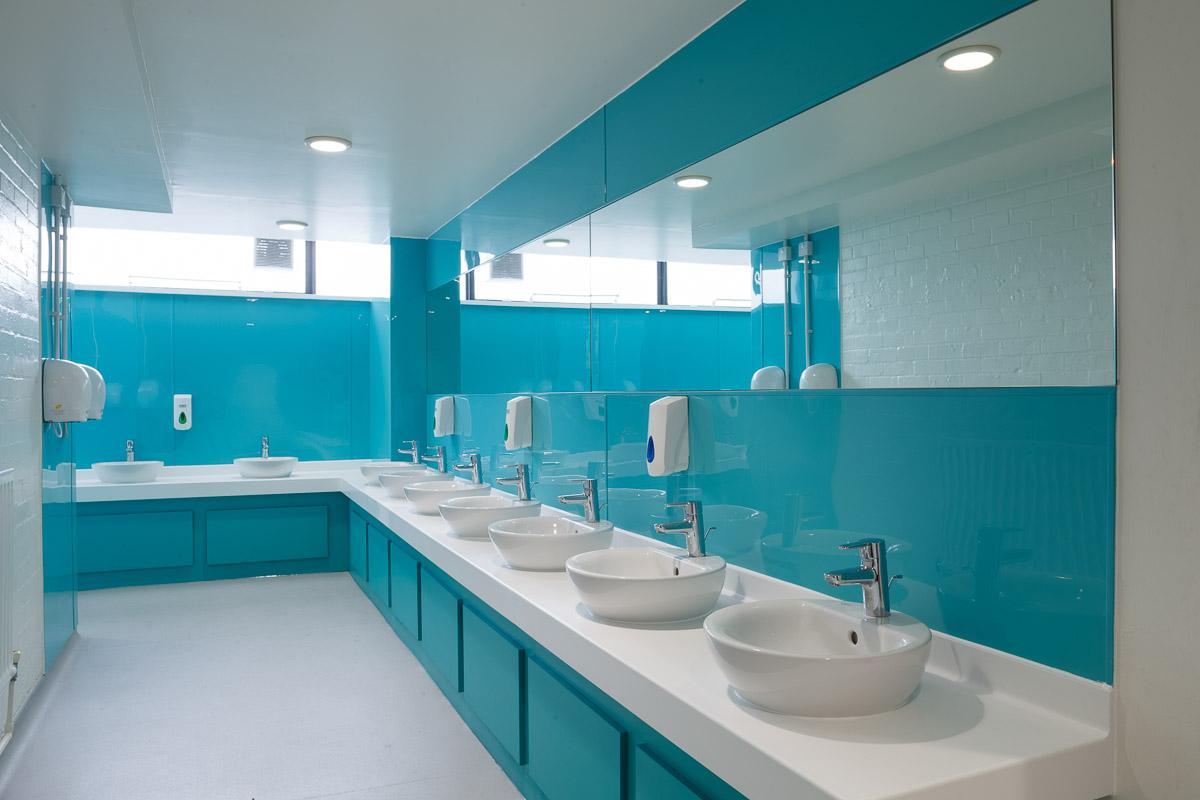 Washroom Products: Venesta Washroom For Magdalen College School