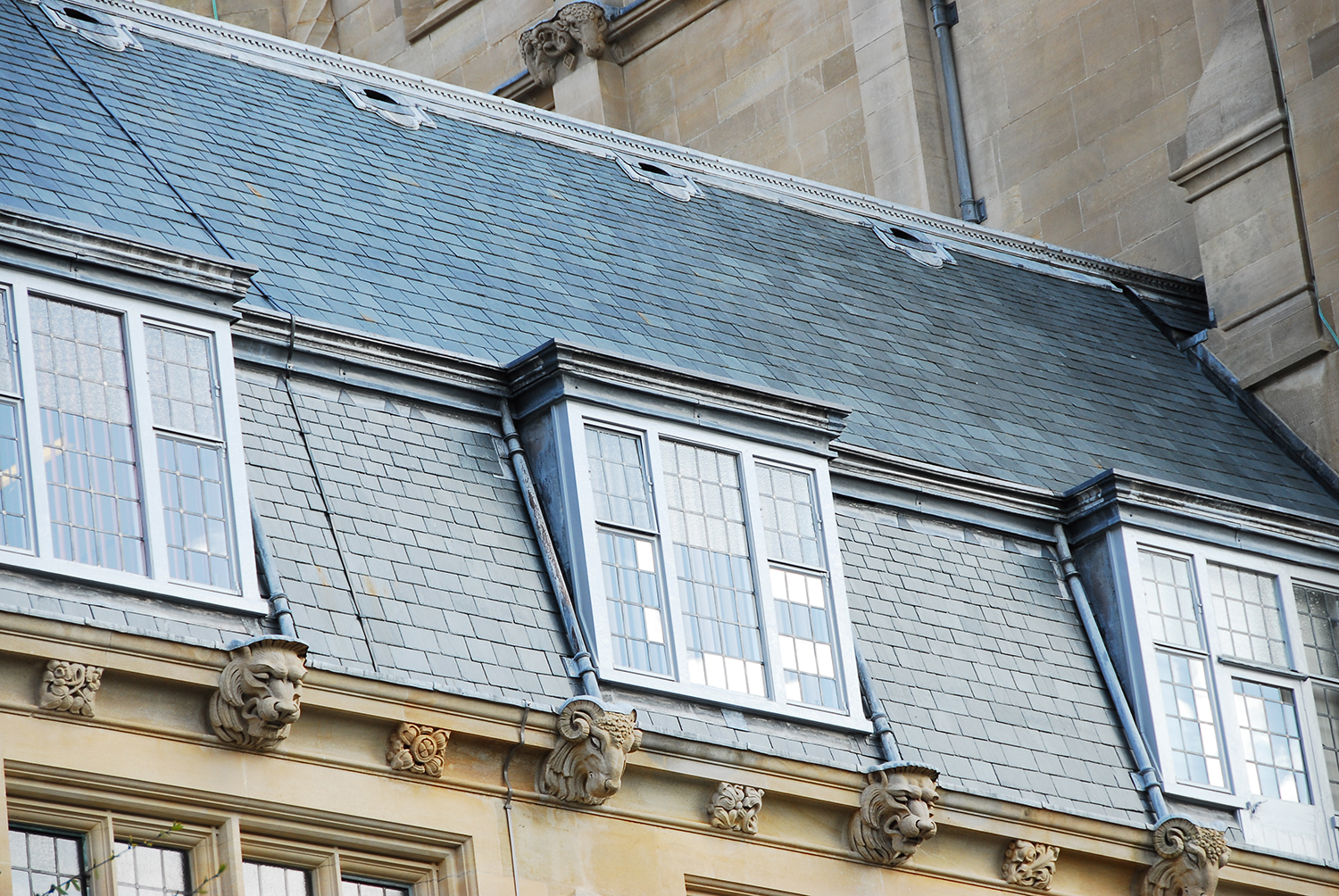 Grade II listed building at the University of Bristol benefits from SSQ Riverstone roofing slate