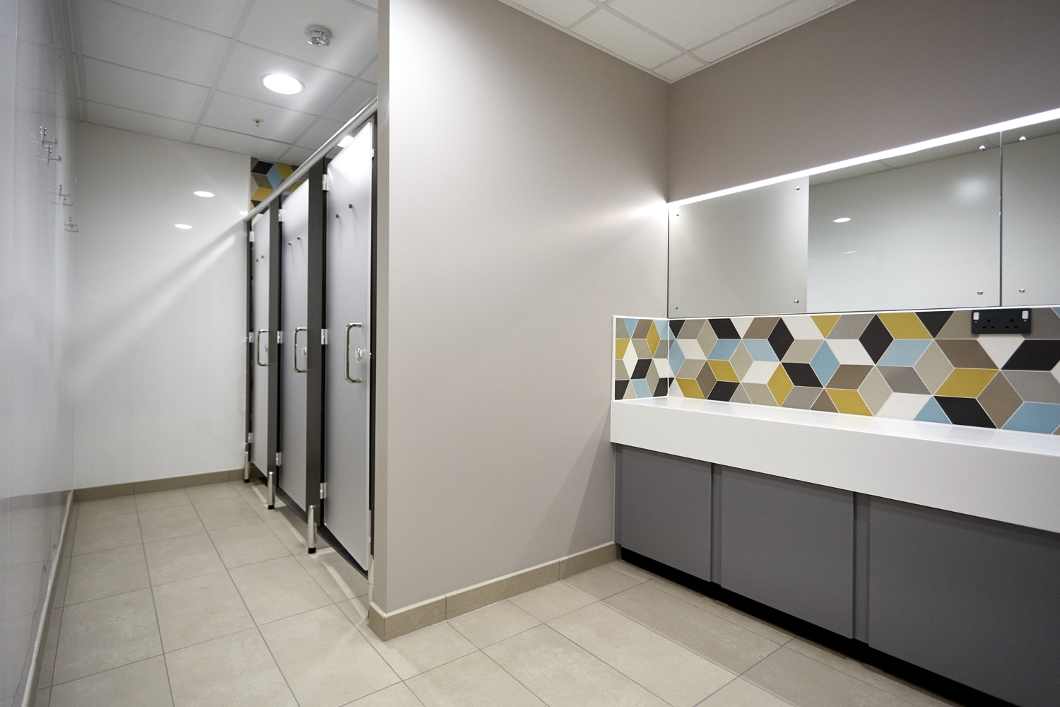 New washrooms for Global Food Producer