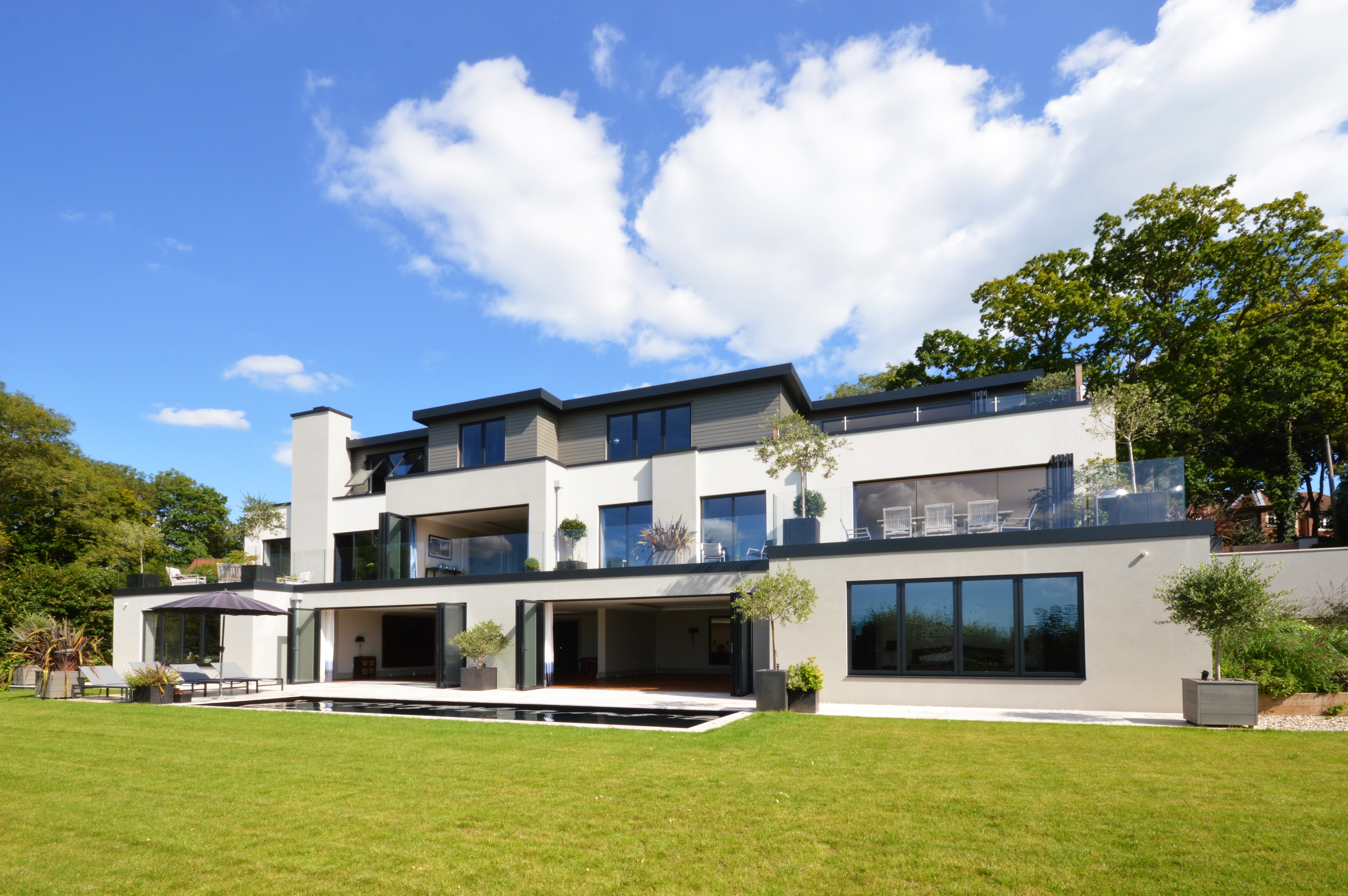 Aluminium fascia for contemporary home design