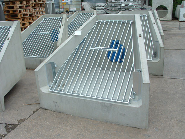 H6CA  Headwall with Flap Valve & Grating