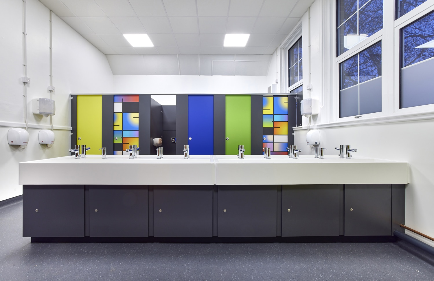 Dunhams Washroom Systems assist in the refurb of Wensum Junior School