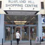 Shopping Centre uses Automatic doors to aid climate control