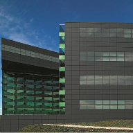 Curtain wall system changes support larger glass screens