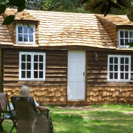 The Cozy Cottage uses Western Red Cedar Shakes