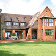 Tillingbourne Homes chooses The Heritage Window Company