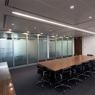 Style creates flexible meeting space at bank HQ