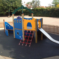 Bespoke play solution for Knebworth Primary School