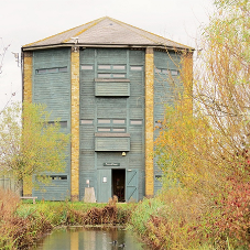 Sadolin shows versatility at flagship bird hide