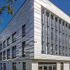 Sustainable aluminium façade for top London college