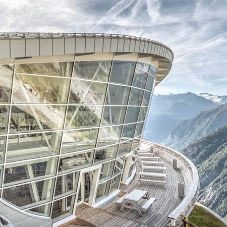 Transmission glazing for Skyway Monte Bianco