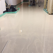 Self-levelling liquid floor screed for a Kensington  home