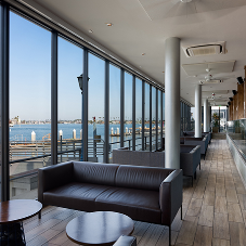 Aluminum glazing systems enhance oceanfront views at brewpub