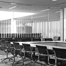 Lusso delivers frameless single glazed partitioning