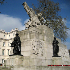 Cleaning the Royal Artillery Memorial