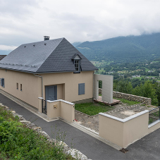 THERMOSLATE® saves energy at stunning home