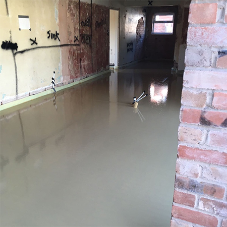 A tidy screed pour solution from Easyflow