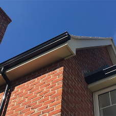 Seamless aluminium guttering for new housing