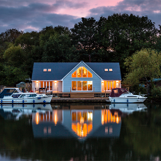 HardiePlank® cladding for riverside bungalow