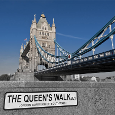 Resin bound surfacing system for Queen's Walk