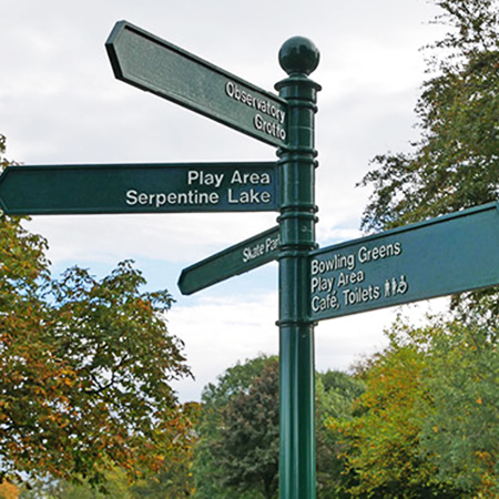 Fingerpost signs point walkers in right direction at Moor Park