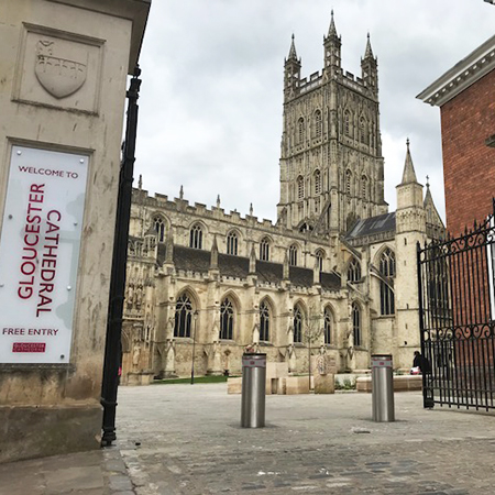 Automatic rising bollard system stands tall at Gloucester Cathedral