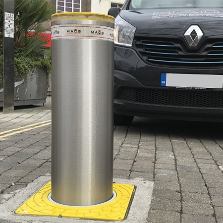 Automatic telescopic bollard system manages traffic efficiently