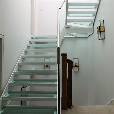 Canal provide elegant glass staircase for modern residential property