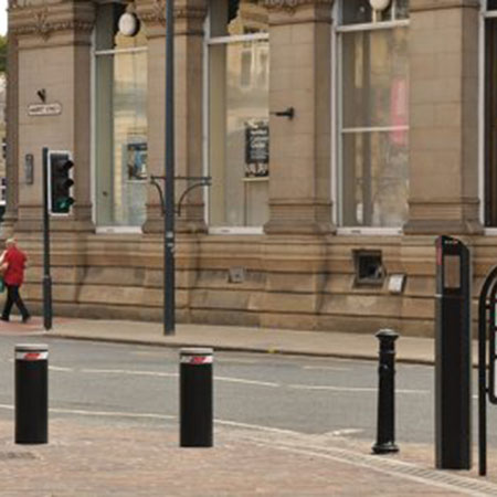 Rising bollards eliminate traffic in Bradford city centre