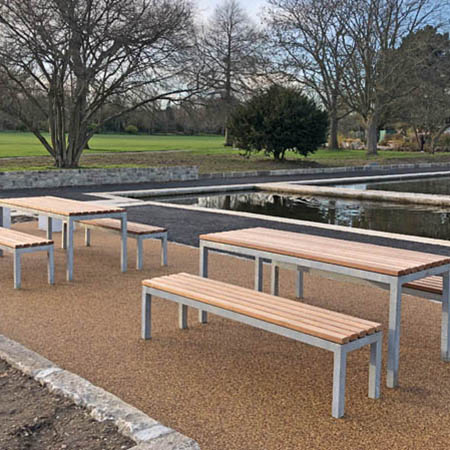 Seating and tables ensure relaxing park area for families