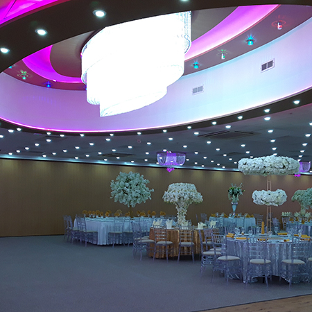 Moveable walls for lavish Asian wedding venue