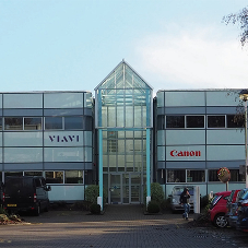 Newbury office building pioneers Daikin R32 chillers
