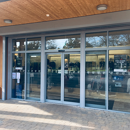 Stylish sliding doors create impressive entrance at Golf Club