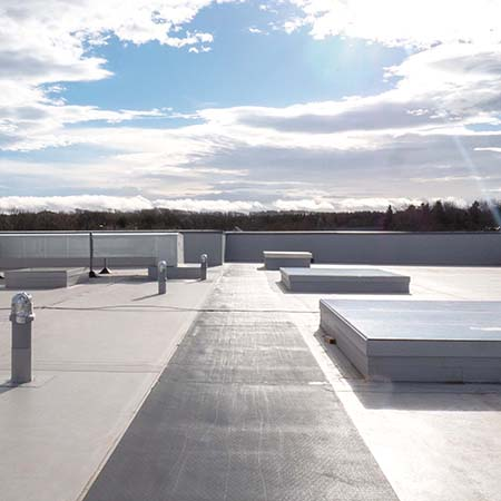 Rapid and watertight roof solution for new training centre
