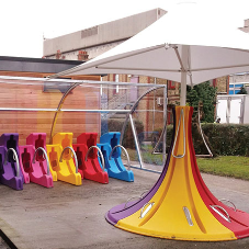 West Hertfordshire Hospital receives colourful Streetpods