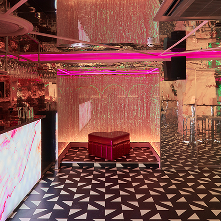 Shimmering monochrome LVT flooring for 'Instagrammable' bar