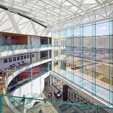 Smart structural glazing helps connect David Tepper School of Business