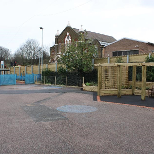 Jacksons Fencing specified at South London school to reduce traffic noise