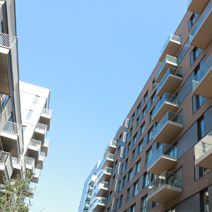 Sapphire provides their Glide-On™ balconies to Greenwich Peninsular homes