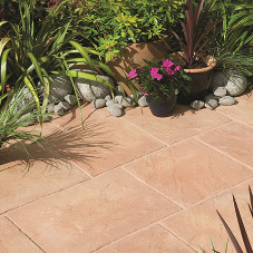 Aggregate Industries' landscaping business launches its first low carbon paving range