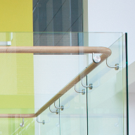 Handrails and balustrades: Crystal™