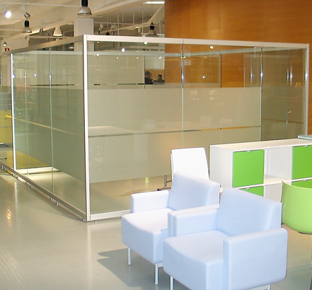 Monoglass Freestyle glass partitioning in-situ