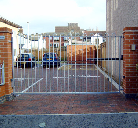 Atlas installed swing gates for vehicles and pedestrians at both entrance and exit