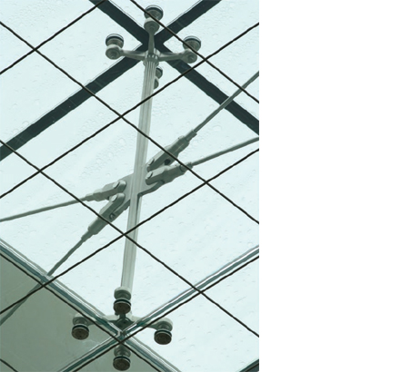 Novum engineers eliminated the need for mullions by utilising point supported glass supported by tension rod trusses
